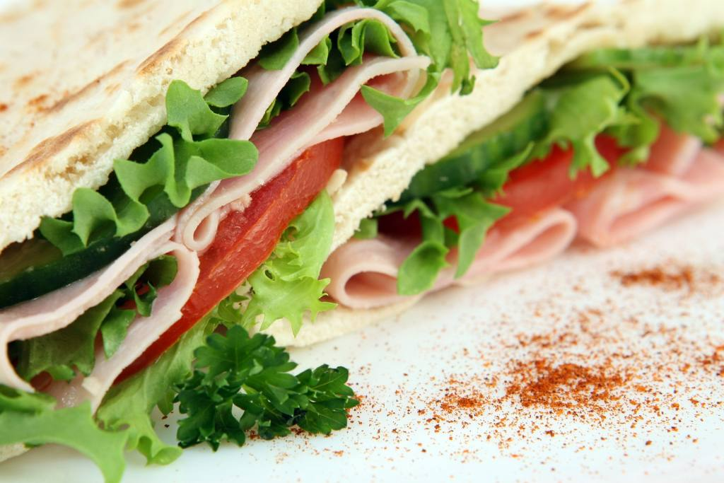 Dietetyczne obiady w pracy - czy to jest do zrobienia?